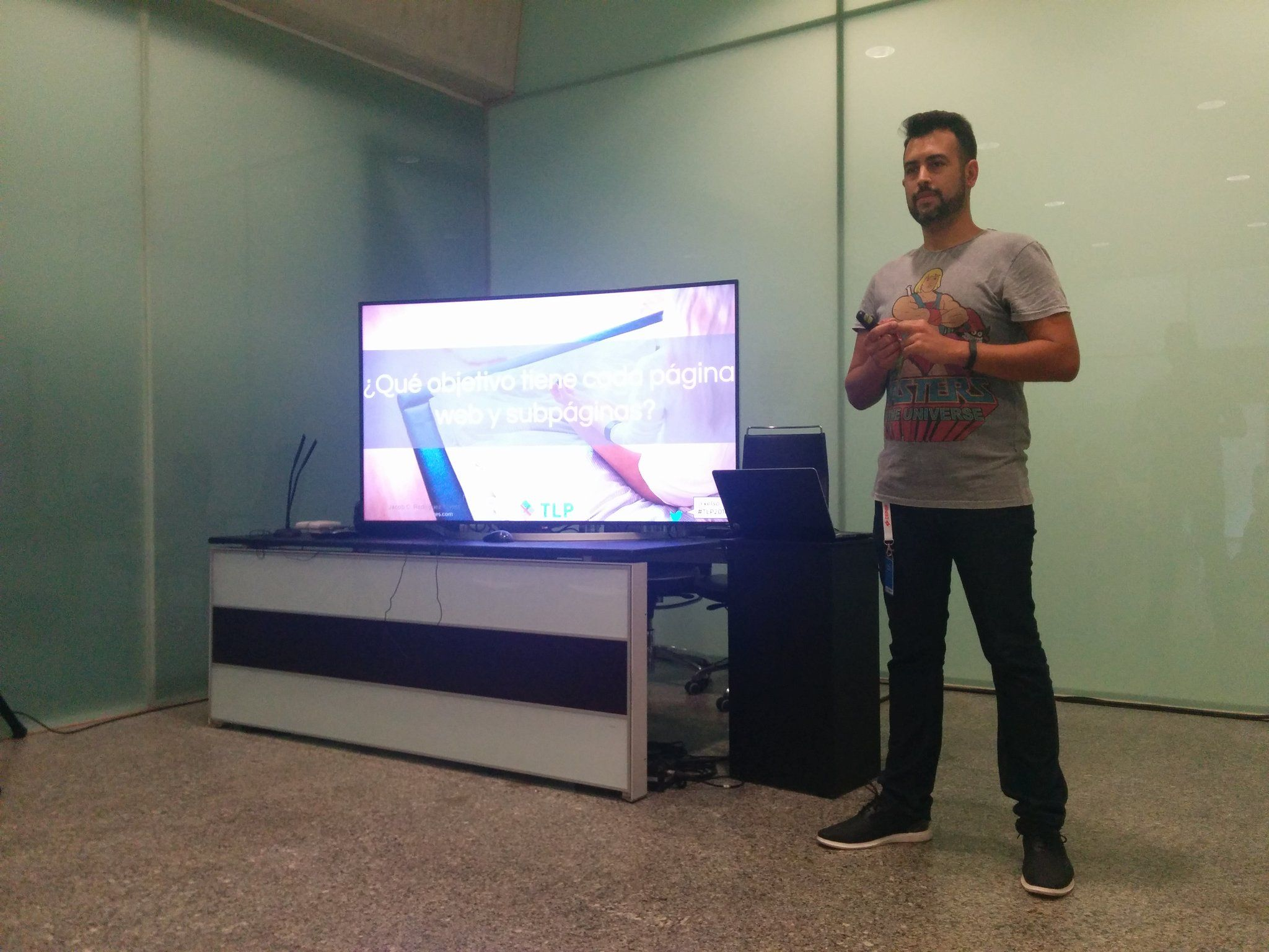 Jacob Rodríguez Torres - Charla Google Analtics en TLP2016 - TLPInnova - Tenerife - Foto de Local Coworking