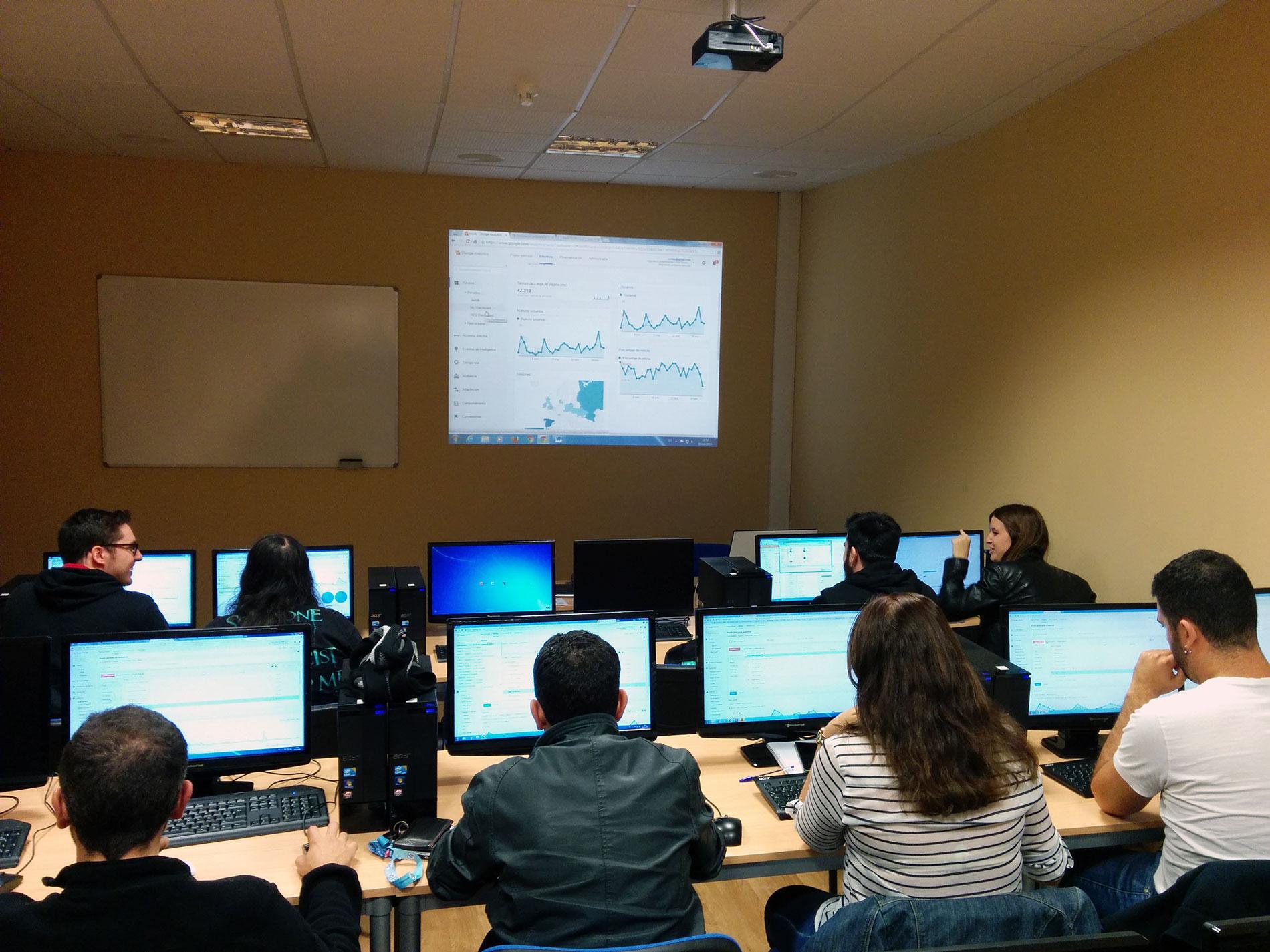 Curso de Analítica Digital en Tenerife ( Canarias ) - Aprende a medir una web con Google Analytics